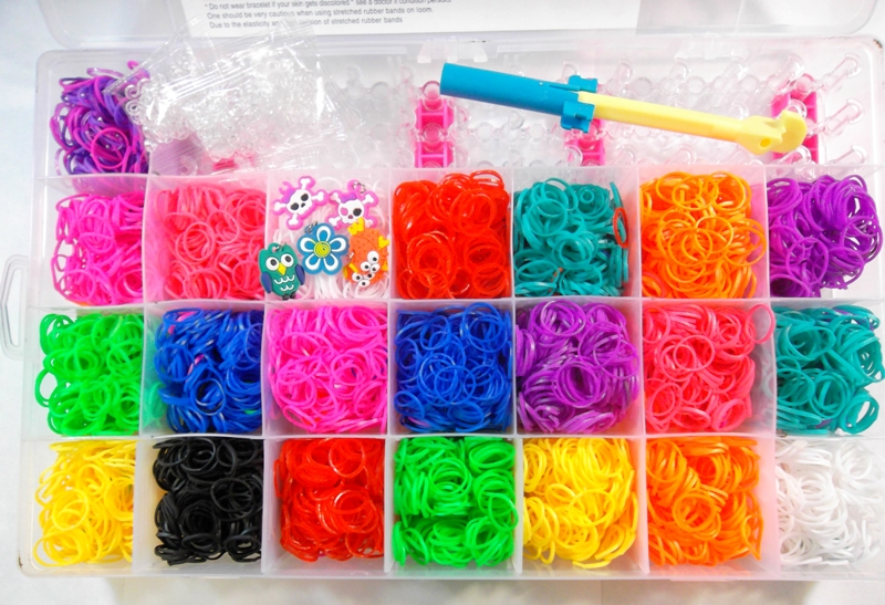 4400 rubber band elastici loom bands mega set con cornice. Black Bedroom Furniture Sets. Home Design Ideas